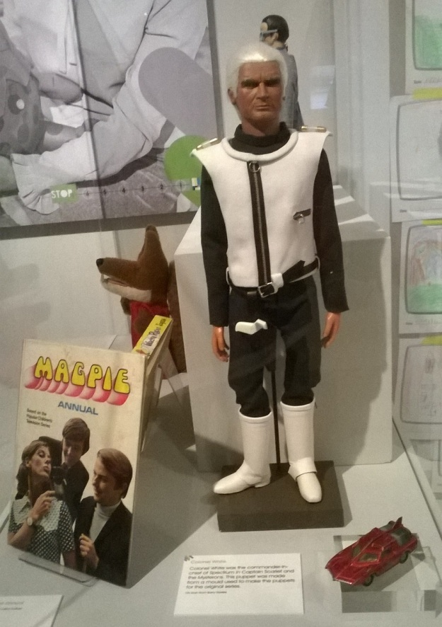 TV toys 13 Col White a Capt scarlet mysterons