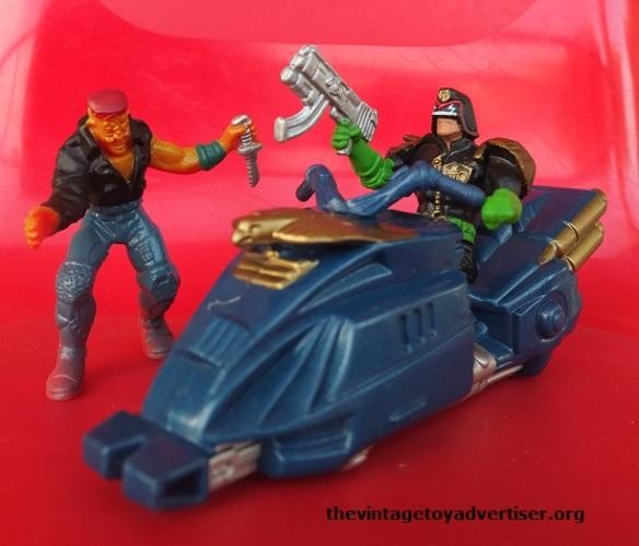 Judge vs Mutant Lawmaster MKIV cursed Earth mutant