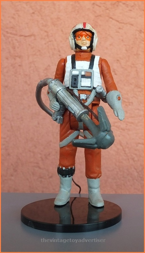 Luke Skywalker Snowspeeder Pilot with grapplinh hook blaster. Custom figure made by Plisnithus7.